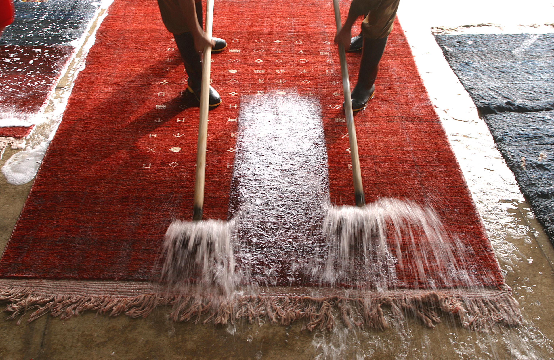 Pulizia dei tappeti blog agenzia stella cadente - Come pulire i tappeti in casa ...