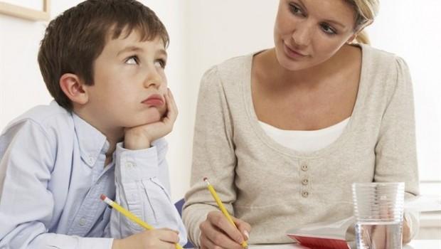 Compiti Scolastici: regole per aiutarlo