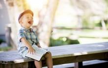 Proteggere dal caldo i bambini: consigli